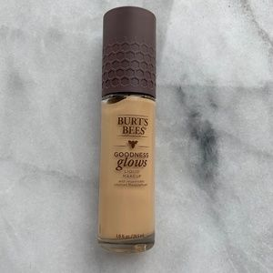Burt's Bees Goodness Glows Foundation in Soft Hone